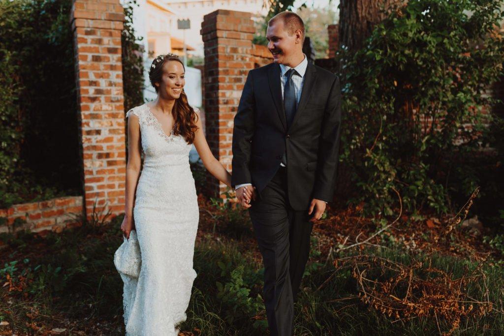 Bride and groom portraits in downtown Portland Oregon garden