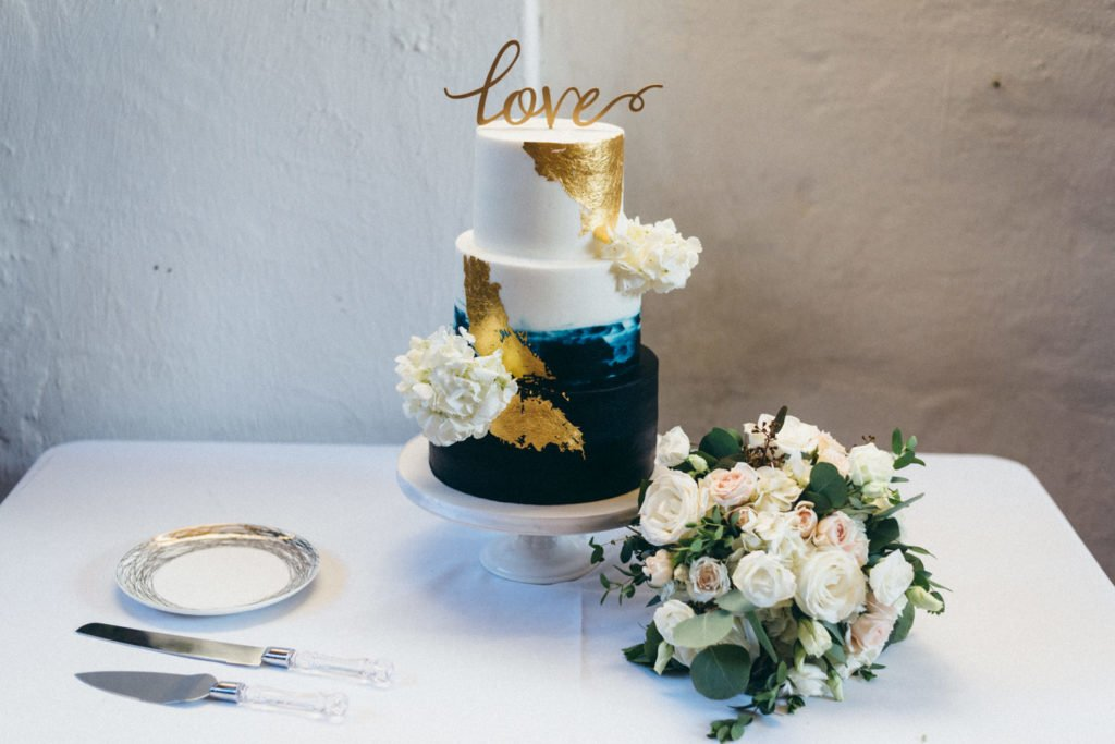 Wedding cake and bridal bouquet