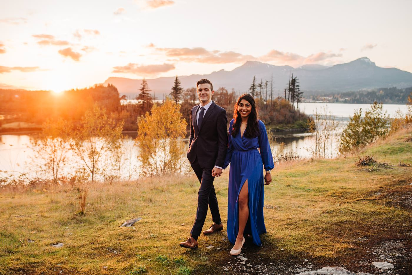 Columbia River Gorge Engagement at Sunset at Government Cove